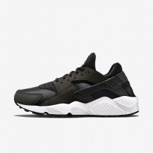 Nike Air Huarache Lifestyle Shoes Womens Black/White (306CGEAR)