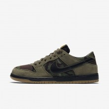 Nike SB Dunk Skateboarding Shoes For Men Medium Olive/Gum Light Brown/University Gold/Black (312LFQXA)