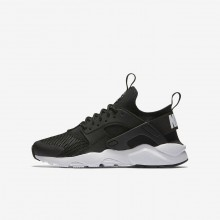Nike Air Huarache Lifestyle Shoes For Boys Black/White (327ZTPBL)