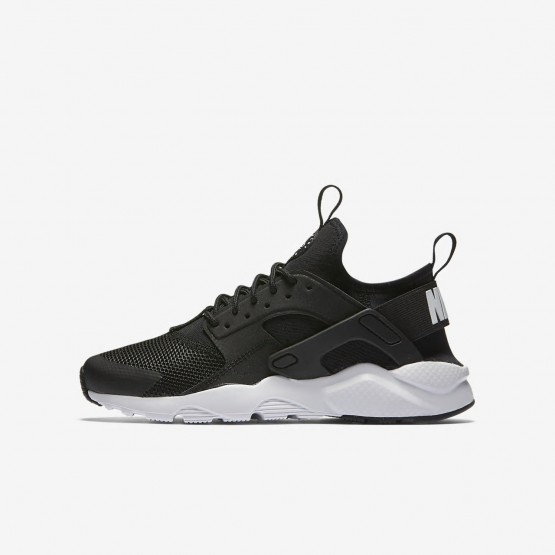 Nike Air Huarache Lifestyle Shoes Boys Black/White (327ZTPBL)