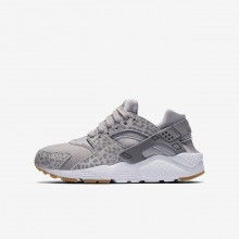 Nike Huarache Lifestyle Shoes For Girls Atmosphere Grey/Gum Light Brown/White/Gunsmoke (671TRMQD)