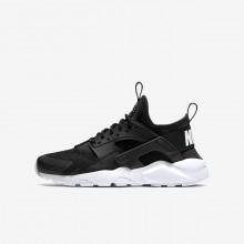 Nike Air Huarache Lifestyle Shoes For Boys Black/White (994RNMSP)